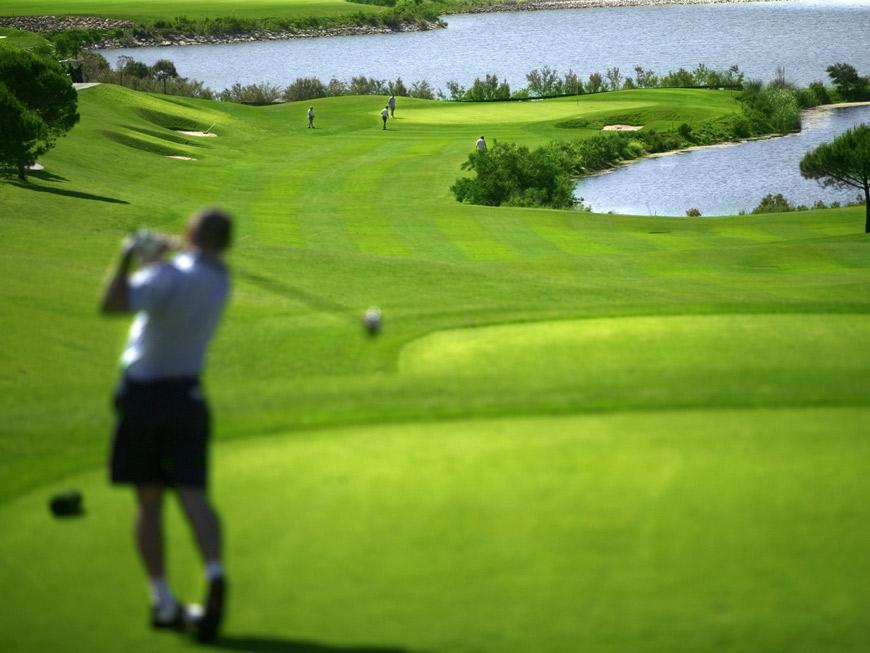 Relájate jugando al golf